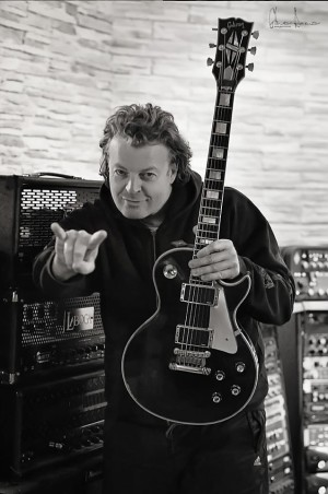roland-grapow-interview-pic-2-e1372262926472 Exclusive Interview with Roland Grapow (Guitars) (Masterplan)(former Helloween)
