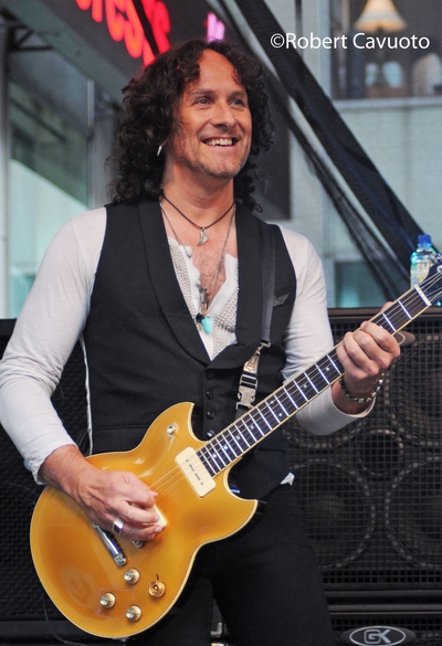 Viv_1 Interview with Vivian Campbell (Guitars) (Last in Line, Def Leppard, former DIO)