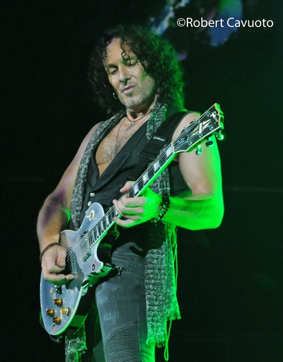 Viv_2 Interview with Vivian Campbell (Guitars) (Last in Line, Def Leppard, former DIO)