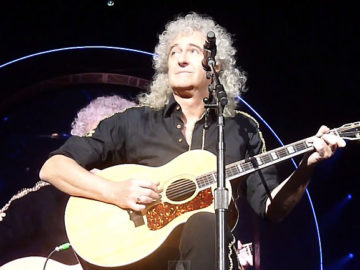 brian_may_loml_amsterdam_snp483_800x433