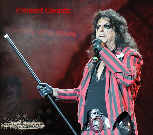 alice-cooper_2 Rock Vault – – Alice Cooper - Alcohol and Drugs Kept Me From Making More Hit Records!