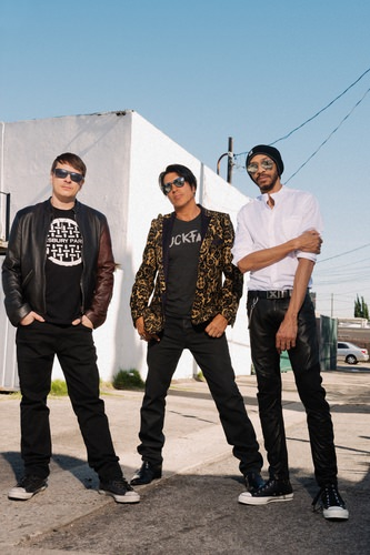 Publicity-Photo-KXM-General-Publicity-1-Alex-Solca George Lynch - Scatterbrain is the evolution of KXM!