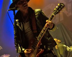 2687365926 Buckcherry and Bowling for Soup, live at the SSE Arena, Wembley, 15 October 2016