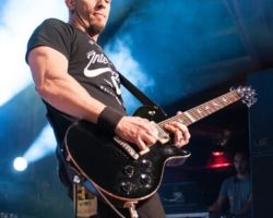 117224900 Alter Bridge - Carrying the Torch for Rock n' Roll in Stroudsburg, PA on May 11th, 2017