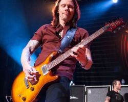 1944197647 Alter Bridge - Carrying the Torch for Rock n' Roll in Stroudsburg, PA on May 11th, 2017