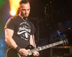 1635628532 Alter Bridge - Carrying the Torch for Rock n' Roll in Stroudsburg, PA on May 11th, 2017