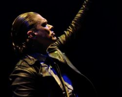 436235281 Endorsed by Iron Maiden. Live review and interview with Shinedown vocalist Brent Smith