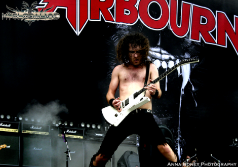 Airbourne (9)(1)