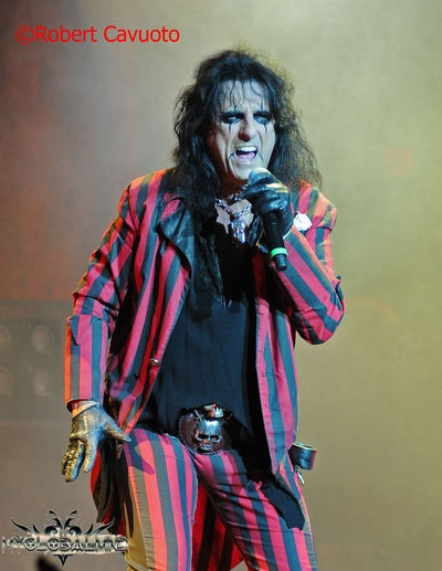alice-cooper_3 Rock Vault – – Alice Cooper - Alcohol and Drugs Kept Me From Making More Hit Records!
