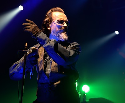 """The-Damned_dv2 """"We're playing with some new young upstarts"""" Dave Vanian, singer with British Punk legends, The Damned on playing with Green Day at BST."""