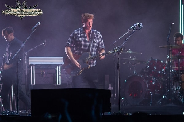 Day-2-Queens-of-the-Stone-Age-04-min Riot Fest 2017, Day 2, September 16th, 2017, Recap and Highlights