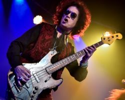 """363143486 """"Remember no drink or any pill is going to make me feel any better if I'm going through grief."""" Glenn Hughes on recording BCCIV"""
