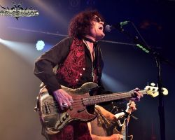 """3283995234 """"Remember no drink or any pill is going to make me feel any better if I'm going through grief."""" Glenn Hughes on recording BCCIV"""