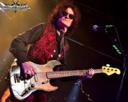 """2631021000 """"Remember no drink or any pill is going to make me feel any better if I'm going through grief."""" Glenn Hughes on recording BCCIV"""