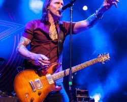 756543100 Alter Bridge - Carrying the Torch for Rock n' Roll in Stroudsburg, PA on May 11th, 2017