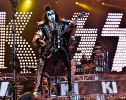 1449415886 KISS, support The Dives, The O2 Arena, London, May 31 2017