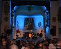 1511514047 Dan Reed, Solo Acoustic, live at St Pancras Old Church, London, September 14 2017